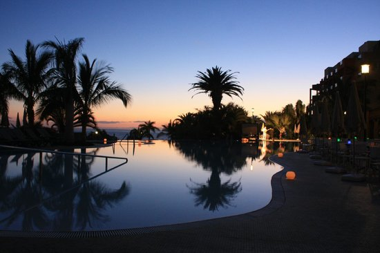 Roca Nivaria GH - Adrian Hoteles : Infinity pool sunset 