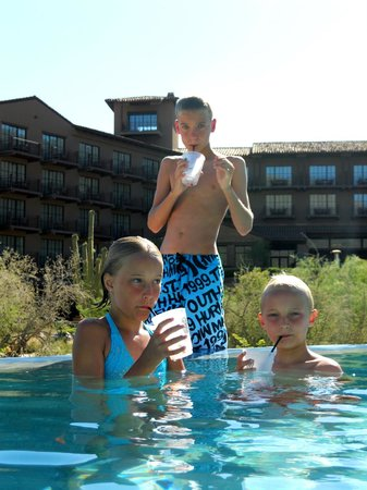 The Ritz-Carlton Dove Mountain: kids having fun in the pool area