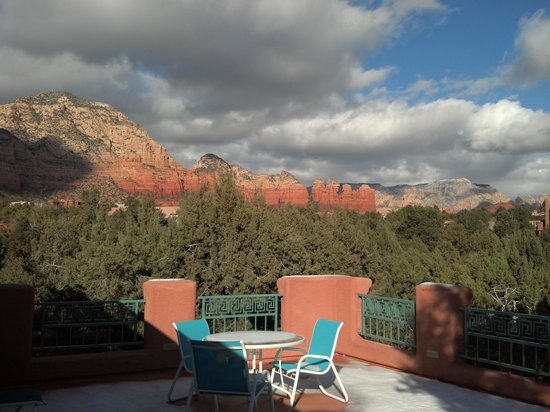Casa Sedona Inn: View from balcony outside our room