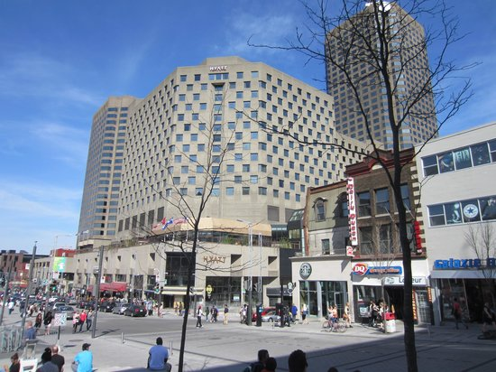 Hyatt Regency Montreal: Street View of the hotel