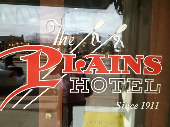 The Historic Plains Hotel: Hotel Sign