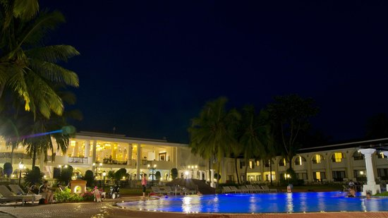 Holiday Inn Resort Goa: The pool