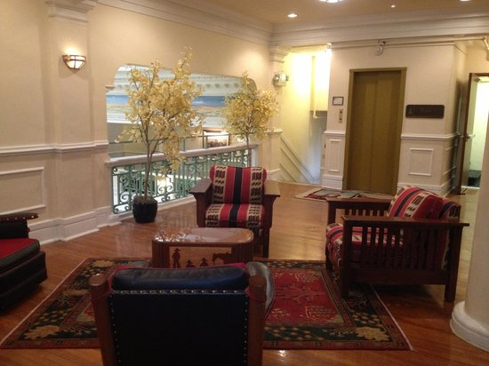 The Historic Plains Hotel: Sitting Area in the Lobby