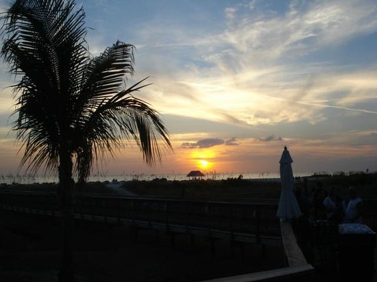 Sirata Beach Resort: Sunsets Are Fantastic