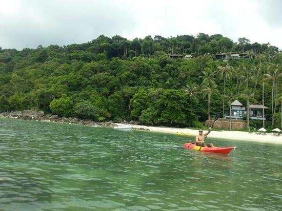 Four Seasons Resort Koh Samui Thailand: hotel kayaks