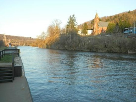 Little Falls, NY: river behind the inn