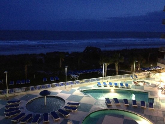 Avista Resort: Night View from balcony