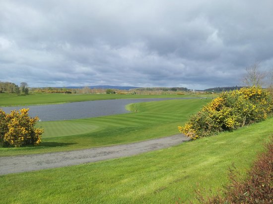 The Heritage Golf and Spa Resort: 9th hole from 1st tee