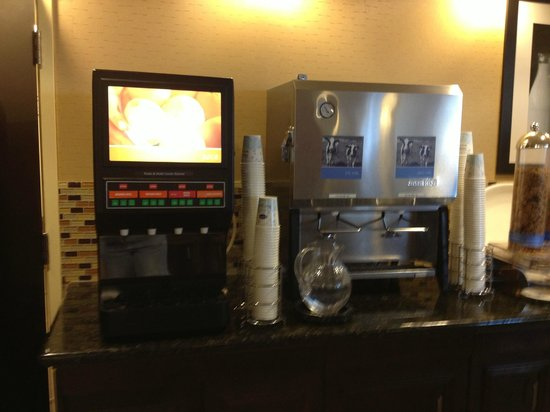 Hampton Inn & Suites Edmonton/West: Juice and Milk Station