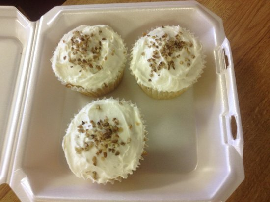 Port Isabel, TX: Italian Cream Cupcakes