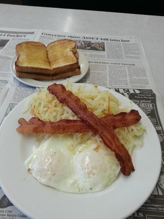 Sedalia, CO: Bacon & Eggs, hashbrowns and toast! My staple!