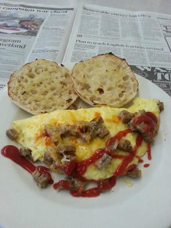 Sedalia, CO: Sausage & cheese omelette, I squirted ketchup on it...