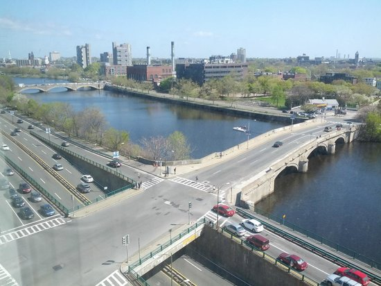 DoubleTree Suites by Hilton - Boston: View from room 923, May 3 2013