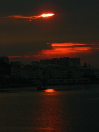 Gran Hotel Elba Estepona & Thalasso Spa : Dawn over Spain