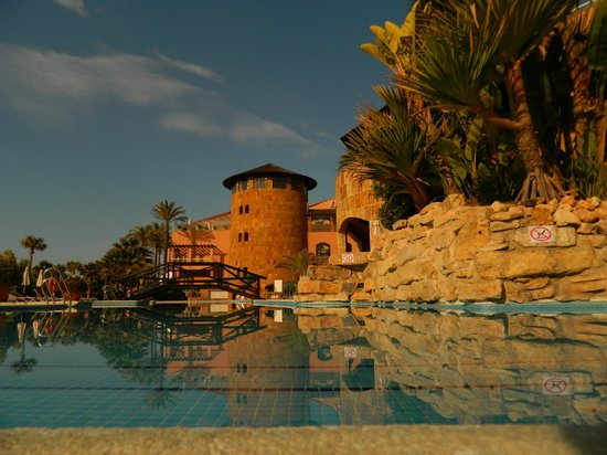 Gran Hotel Elba Estepona & Thalasso Spa : Outdoor pool