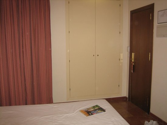Hotel Murillo: Room 105