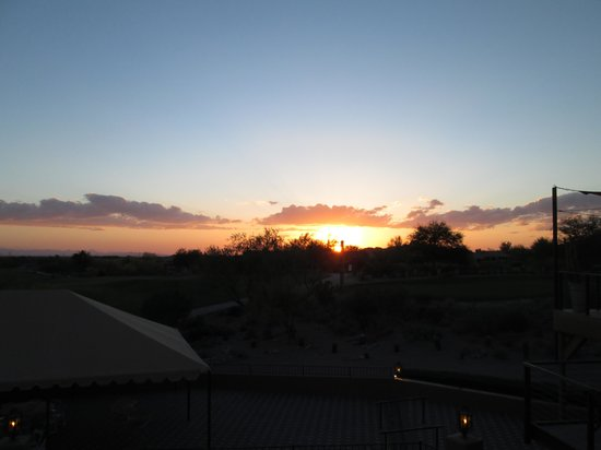 Gold Canyon, AZ: Sunset from dining area