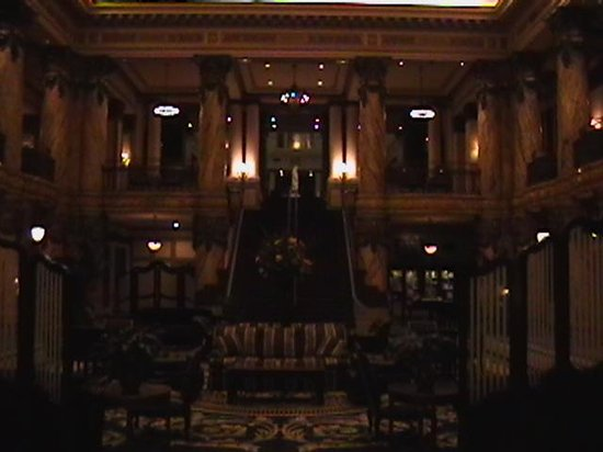 The Jefferson Hotel: Grand satirway