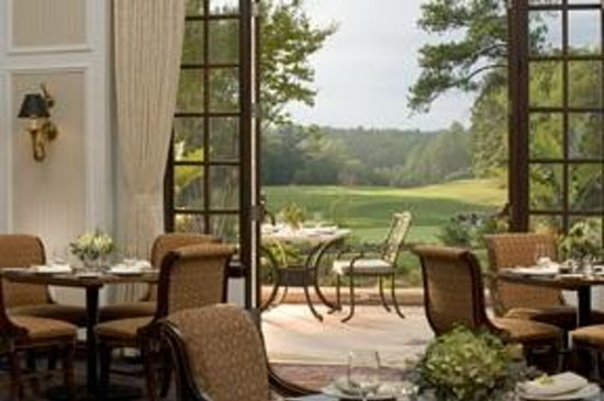 Washington Duke Inn & Golf Club: Vista Restaurant featuring daily breakfast buffet