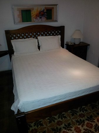 Europa Hotel Boutique: Room with Queen bed