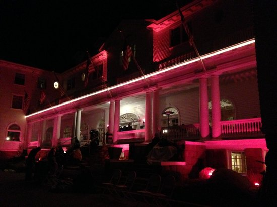 ‪‪Stanley Hotel‬: Stanley Hotel during outdoor screening of The Shining‬