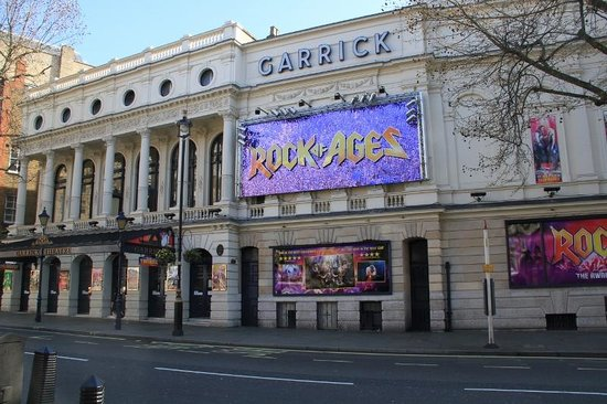 Travelodge London Covent Garden Hotel : garrick theatre