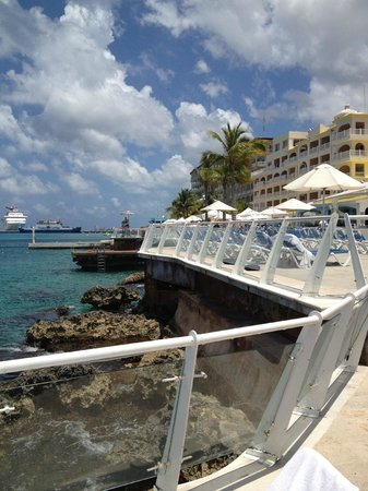 Cozumel Palace: View from the pool deck!