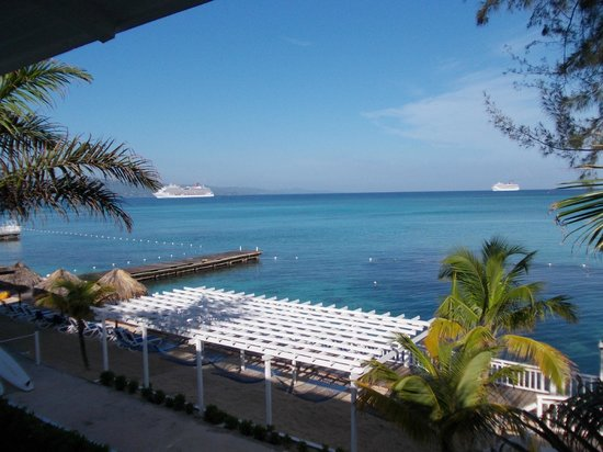 Royal Decameron Montego Beach: Classic view from room 26