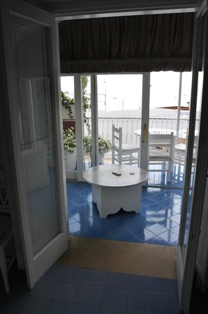 Villa La Tartana: Doors out to the sea