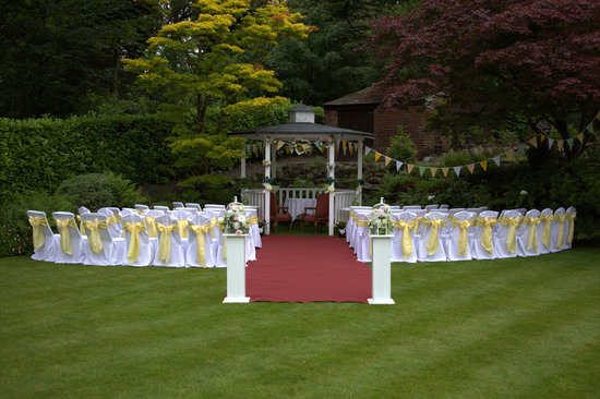Mansion Backyard Wedding : Broadoaks Country House Photo Outdoor Weddings