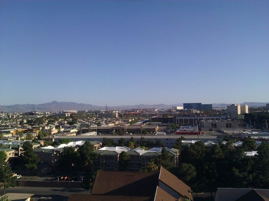 Embassy Suites Convention Center Las Vegas: daytime view