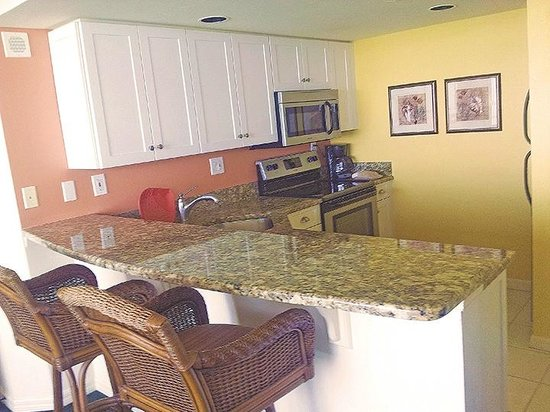 Lovers Key Resort: Luxury suite kitchen.