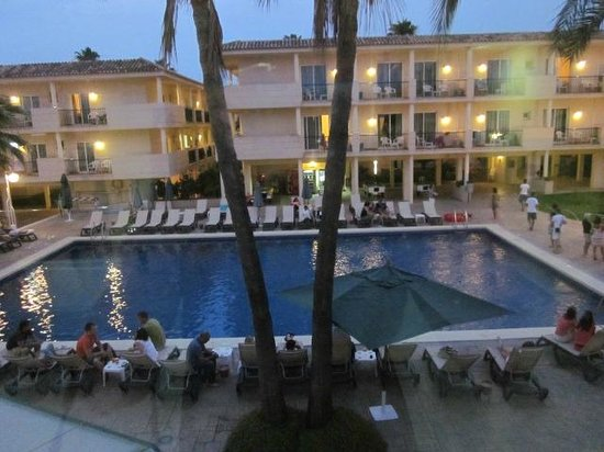 Barcelo Pueblo Ibiza: One of the hotes pools