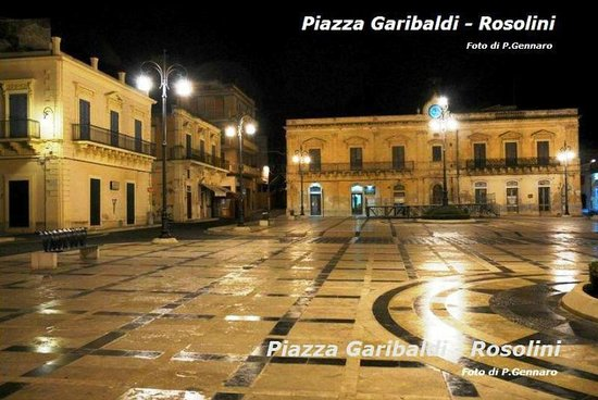 B&amp;B Perla di Corso Savoia: Piazza Garibaldi, Rosolini