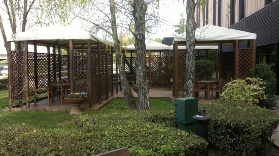 Holiday Inn Venice Mestre Marghera : the outside area to front hotel