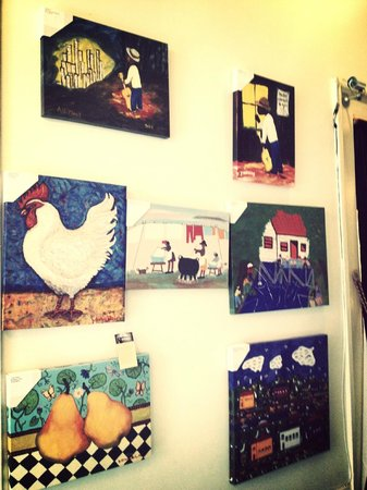 Lafitte Guest House: Artwork in the gallery at LaFitte