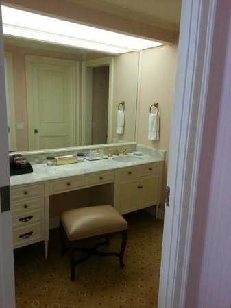 The Westgate Hotel: Bathroom is basic, but had a nice shower
