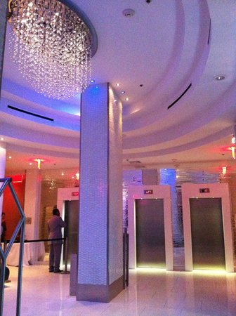Fairfield Inn & Suites by Marriott New York Manhattan / Times Square: Holl