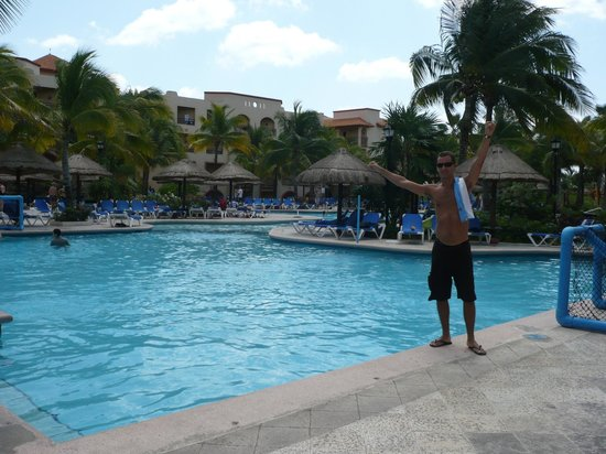 Sandos Playacar Beach Resort & Spa: Una de las albercas