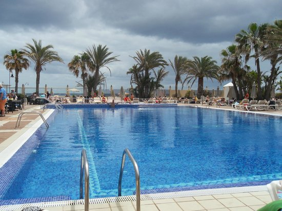 Riu ClubHotel Oliva Beach: piscina