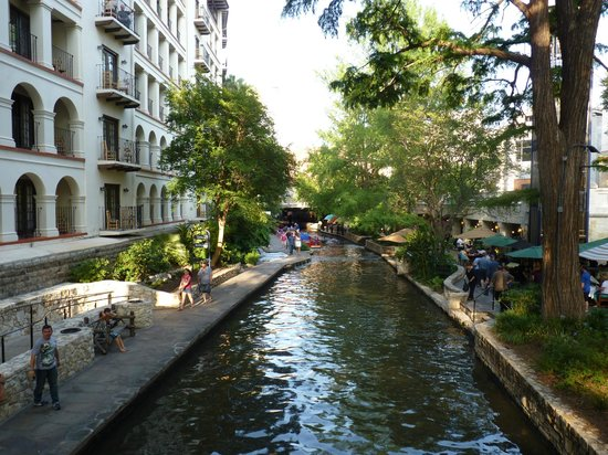 Omni La Mansion del Rio: River walk side