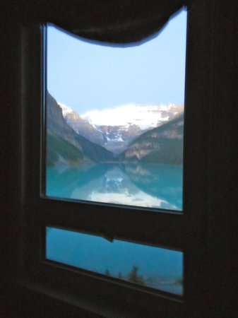 Fairmont Chateau Lake Louise: Gold Room View