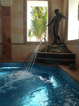 Riu Palace Punta Cana: Jaccuzzi at the Fitness Center