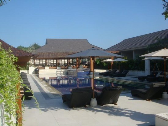 Semara Resort & Spa Seminyak: Relax by the pool