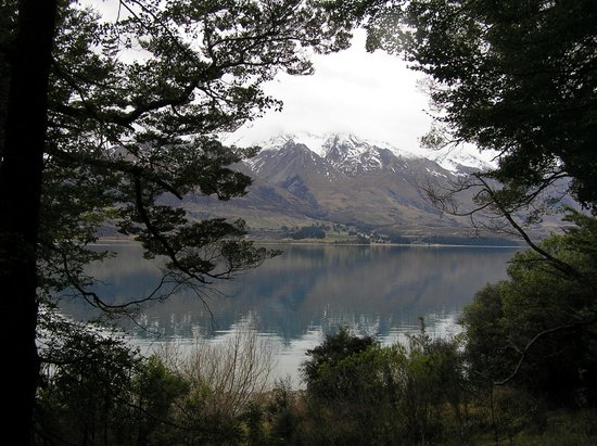 Glenorchy, Новая Зеландия: 5 minutes walk from the hotel you're in the forest