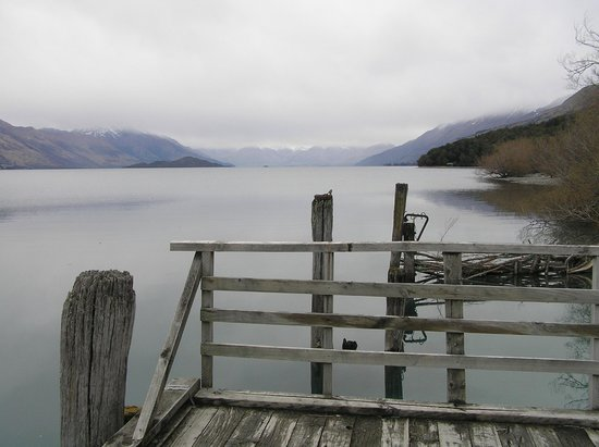 Glenorchy, New Zealand: THE most fantastic view - from the pier in front of the hotel