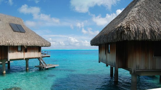Hilton Bora Bora Nui Resort &amp; Spa: those wonderful blue waters