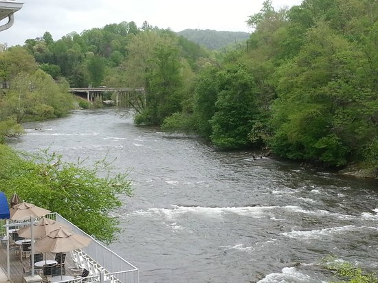 Dillsboro, NC: Peaceful River View
