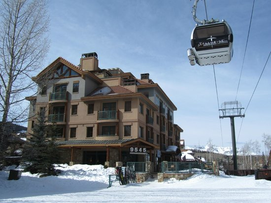 The Inn at Lost Creek: ILC & ski valet area, fantastic!
