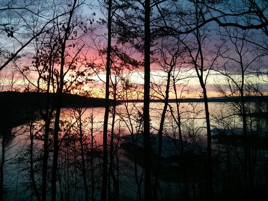 Fairfield Bay, AR: Sunrise over lake